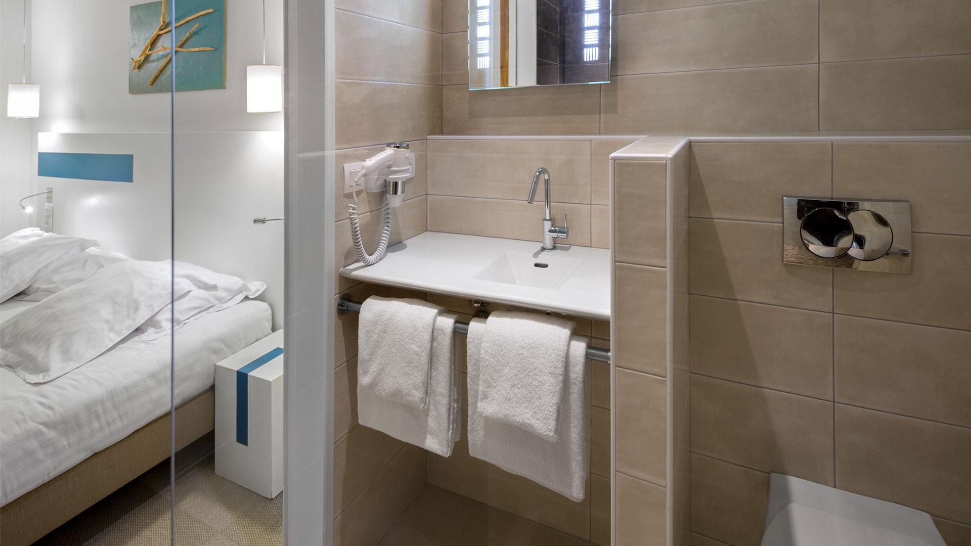 salle de bain hôtel 3 étoiles Biarritz