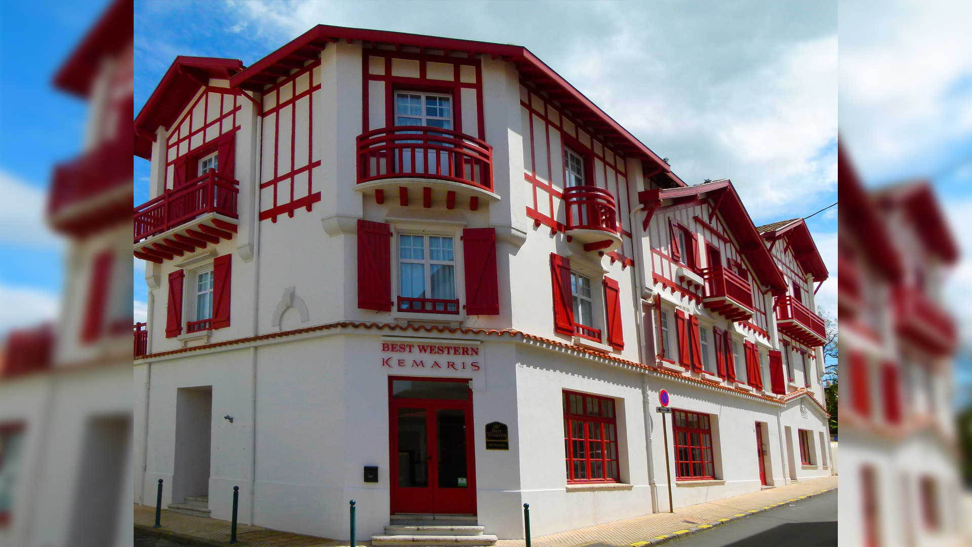Façade hotel Biarriz le Kemaris